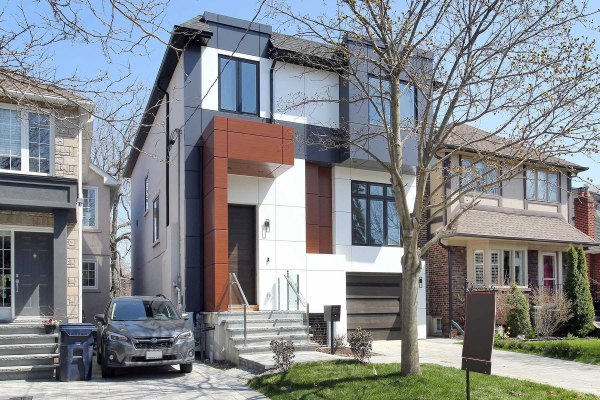 327 Rumsey Rd, Toronto
