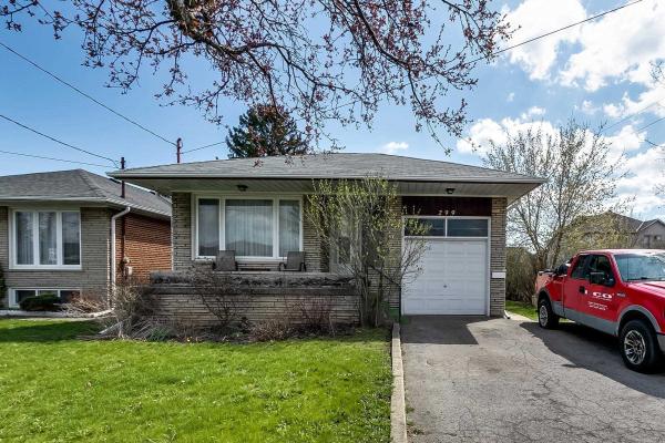 299 Brighton Ave, Toronto