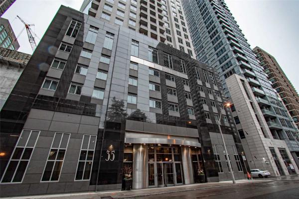35 Balmuto St, Toronto