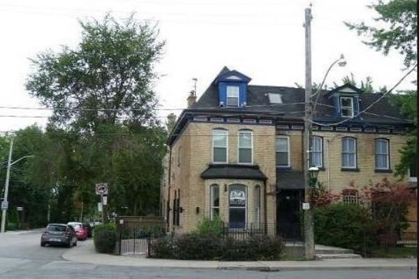 263 Gerrard St E, Toronto