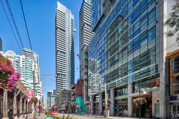 375 King St S, Toronto