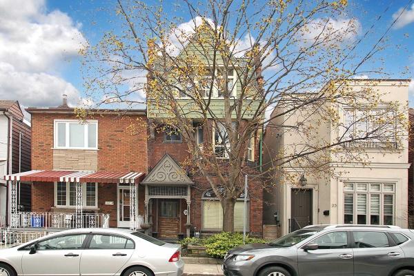 21 Rolyat St, Toronto