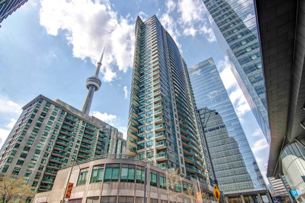 30 Grand Trunk Cres, Toronto