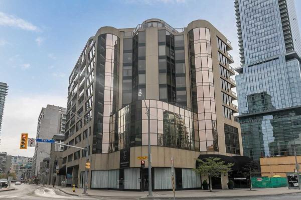 1331 Bay St, Toronto