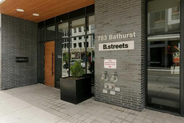 783 Bathurst St, Toronto
