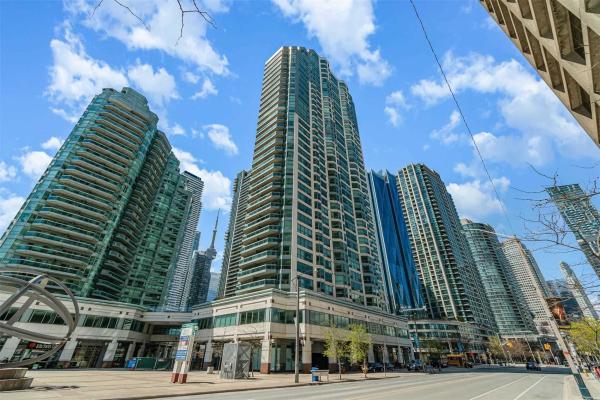 10 Yonge St, Toronto