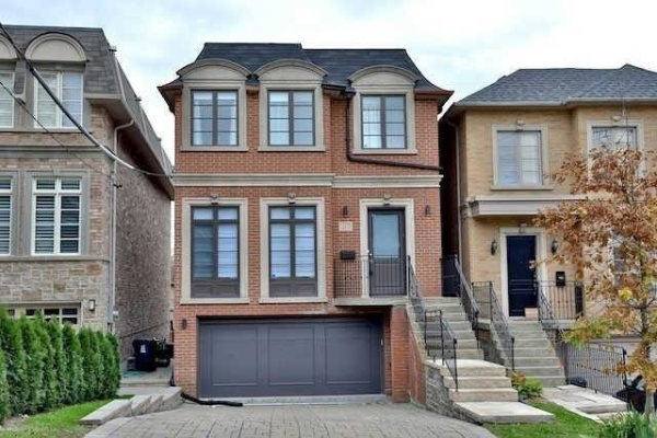 287 Strathallan Wood, Toronto