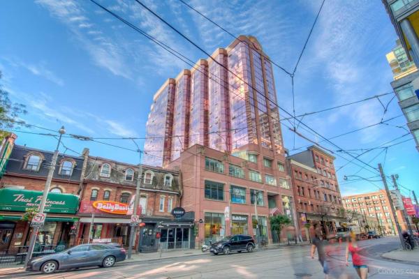 393 King St W, Toronto