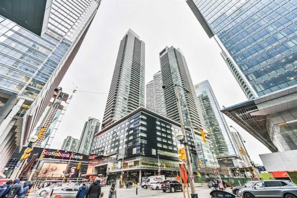 55 Bremner Blvd, Toronto
