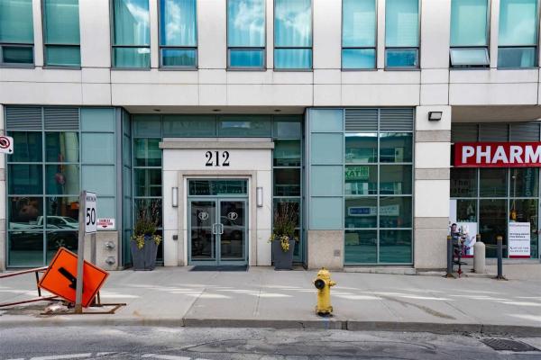 212 Eglinton Ave E, Toronto