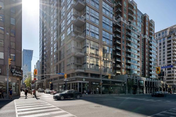 80 Cumberland St, Toronto