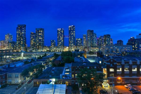 500 Wellington St W, Toronto