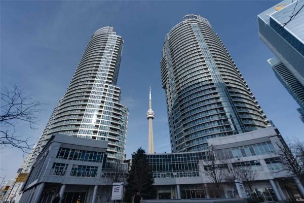 208 Queens Quay W, Toronto