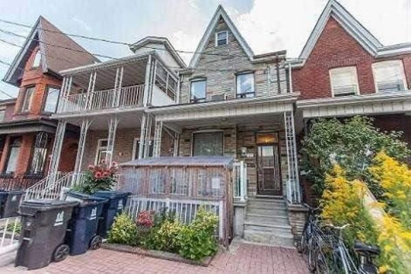 26 Lippincott St, Toronto