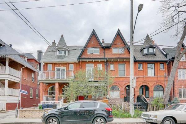 74 Oxford St, Toronto