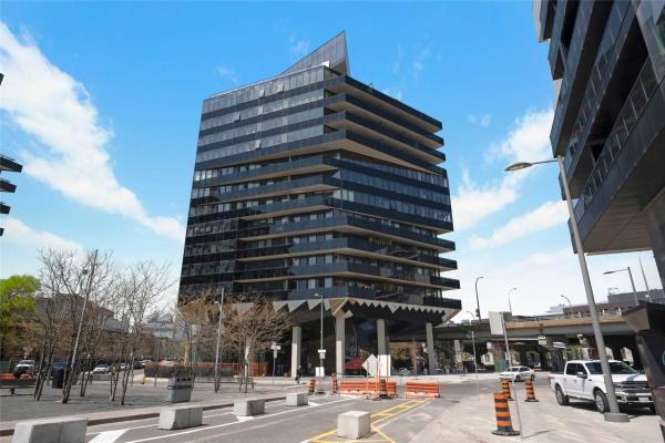 21 Lawren Harris Sq Sq, Toronto