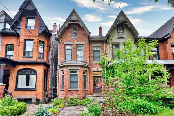 149 Robert St, Toronto