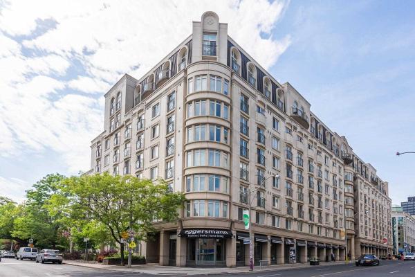 1 Balmoral Ave, Toronto