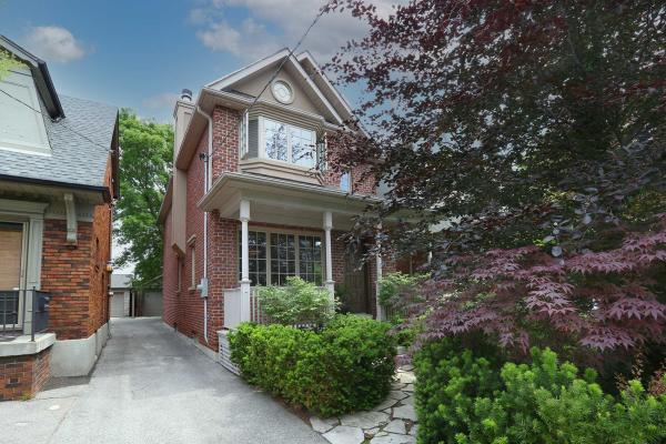 21 Whitewood Rd, Toronto
