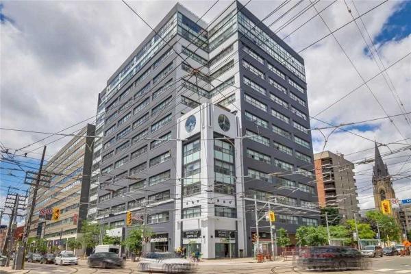 700 King St W, Toronto