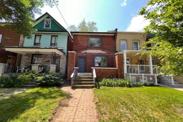 390 St Clarens Ave, Toronto