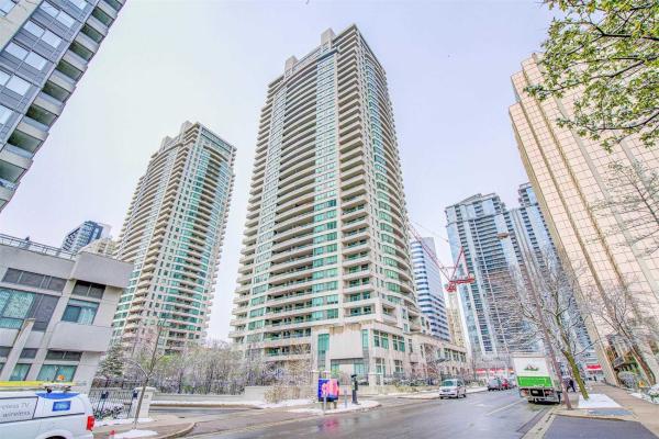 23 Hollywood Ave, Toronto