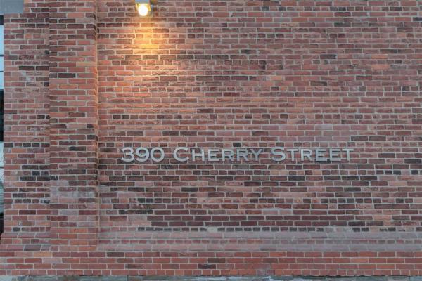 390 Cherry St