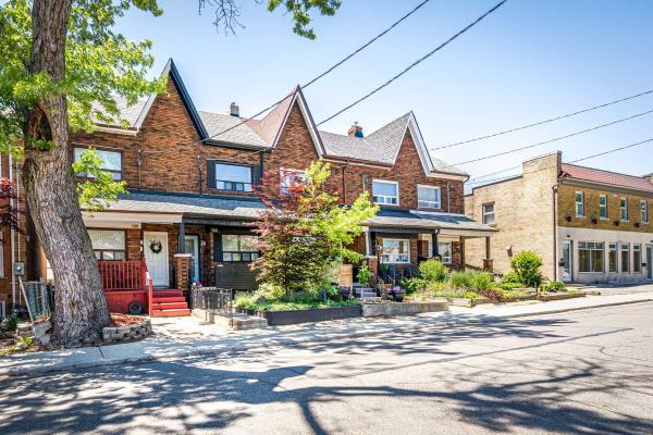 110 Claremont St, Toronto