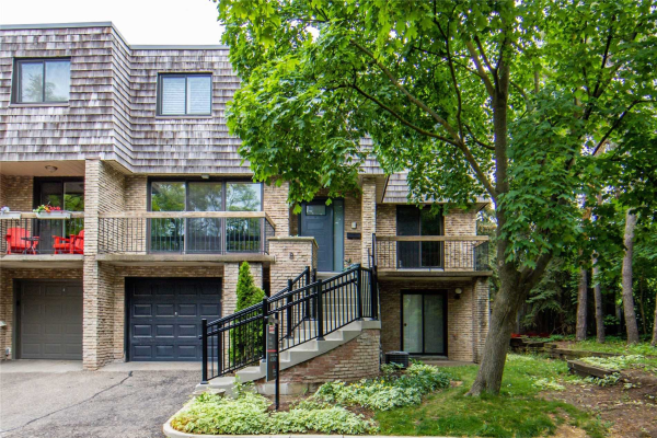 8 Wooded Carse Way