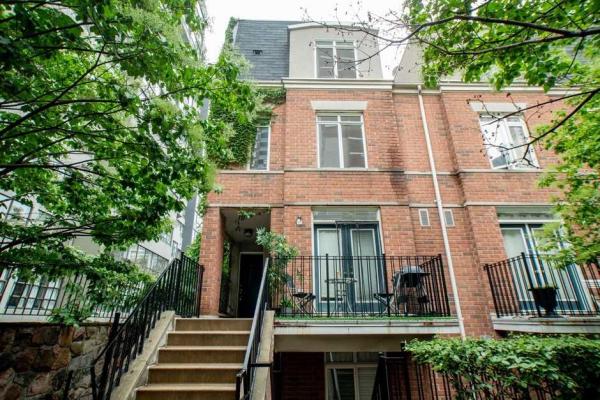415 Jarvis St, Toronto
