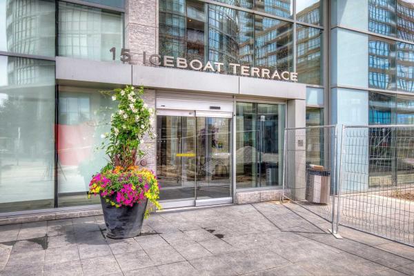 15 Iceboat Terr, Toronto
