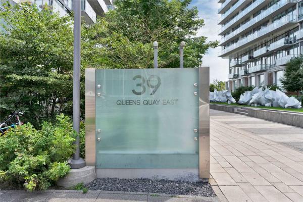 39 Queens Quay E, Toronto