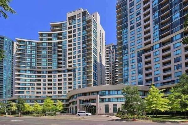 509 Beecroft Rd, Toronto