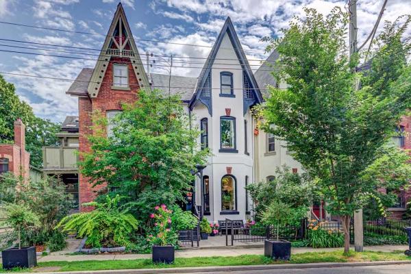 63 Metcalfe St, Toronto
