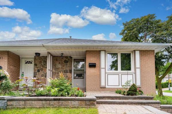 209 Woodsworth Rd, Toronto