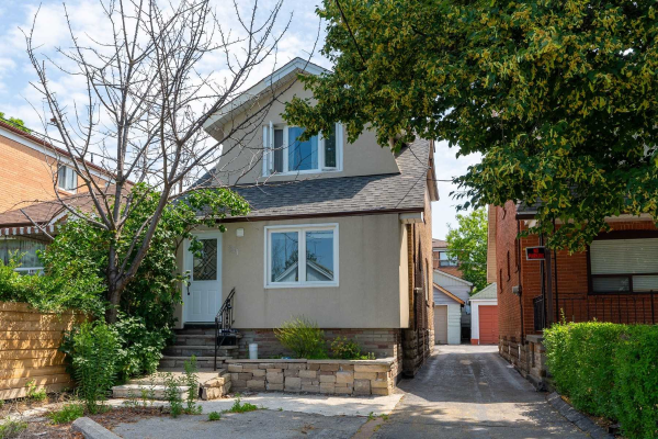 301 Robina Ave N, Toronto