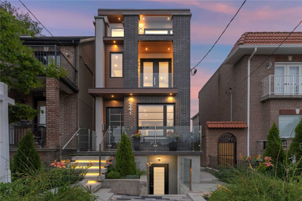 241 Lansdowne Ave, Toronto