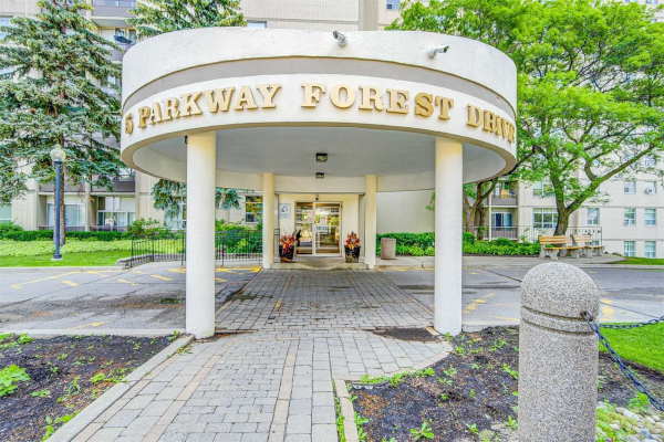 5 Parkway Forest Dr E, Toronto