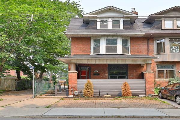 881 Manning Ave, Toronto