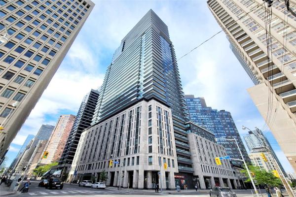 955 Bay St, Toronto