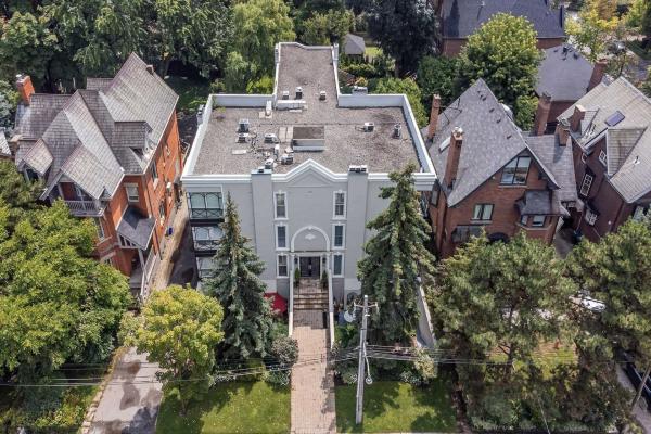 105 Heath St W, Toronto