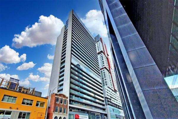 330 Richmond St W, Toronto