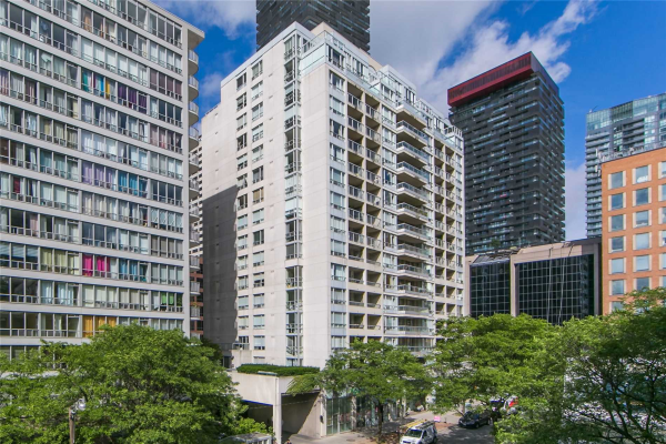 43 Eglinton Ave E, Toronto