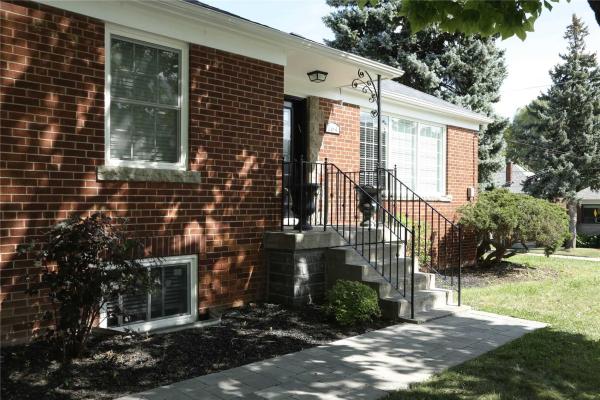 164 Viewmount Ave, Toronto