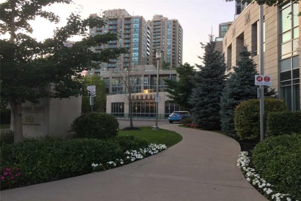 18 Holmes Ave, Toronto