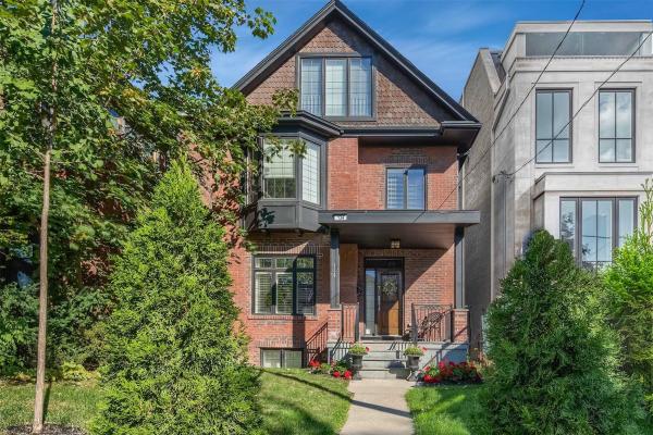 134 Balmoral Ave, Toronto