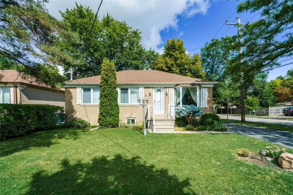 340 Patricia Ave, Toronto