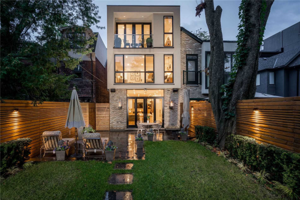 46 Boswell Ave, Toronto