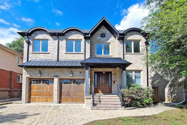 140 Caribou Rd, Toronto