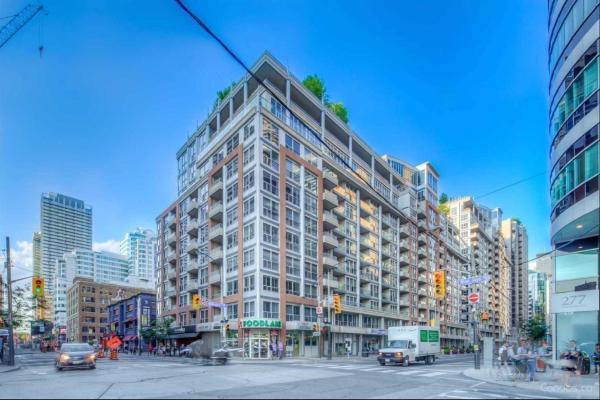 250 Wellington St W, Toronto
